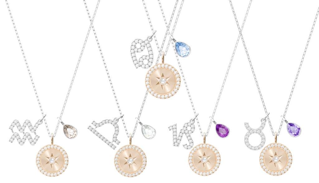 b30e088b158597 Le collane sono realizzate in metallo con finitura rodio e oro rosa con  cristalli Swarovski.