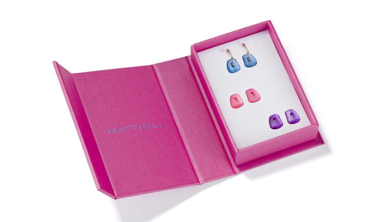 designer fashion 42685 c1b8f Mattioli punta alle Millennial con la nuova collezione Mini ...